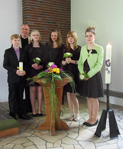 400_Konfirmanden1-2012